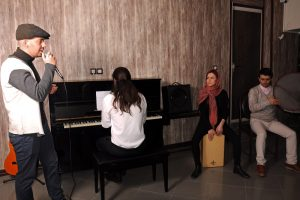 اجرای هنر جویان اموزشگاه موسیقی گام آذر ماه 95