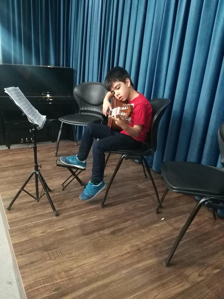 اجرای هنرجویان آموزشگاه موسیقی گام تیر 97